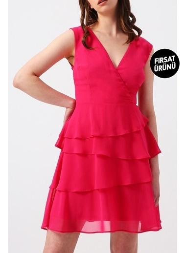Random Kadın Eteği Kat Kat Fırfırlı Kruvaze Yakalı Kolsuz Mini Elbise Fuşya